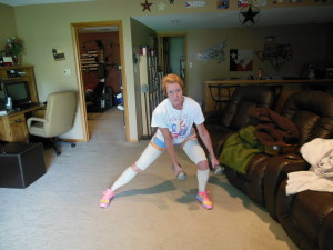 lunge to the left (don't mind the fact that I'm not going super low - wraps get in the way!)