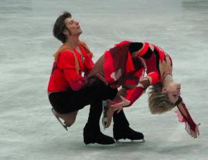this while balancing on skates!